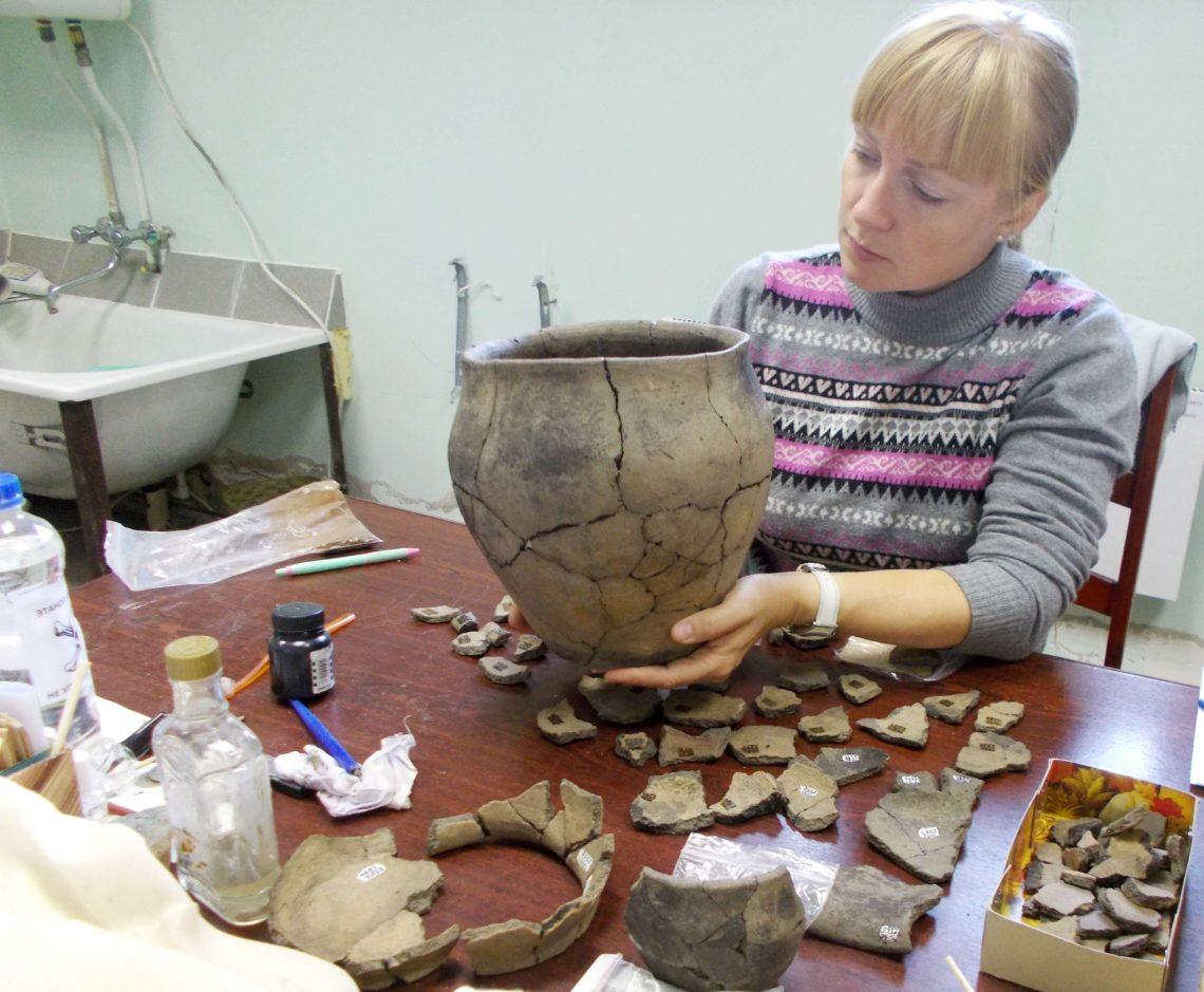 Реконструкция крупного сосуда из керамических осколков