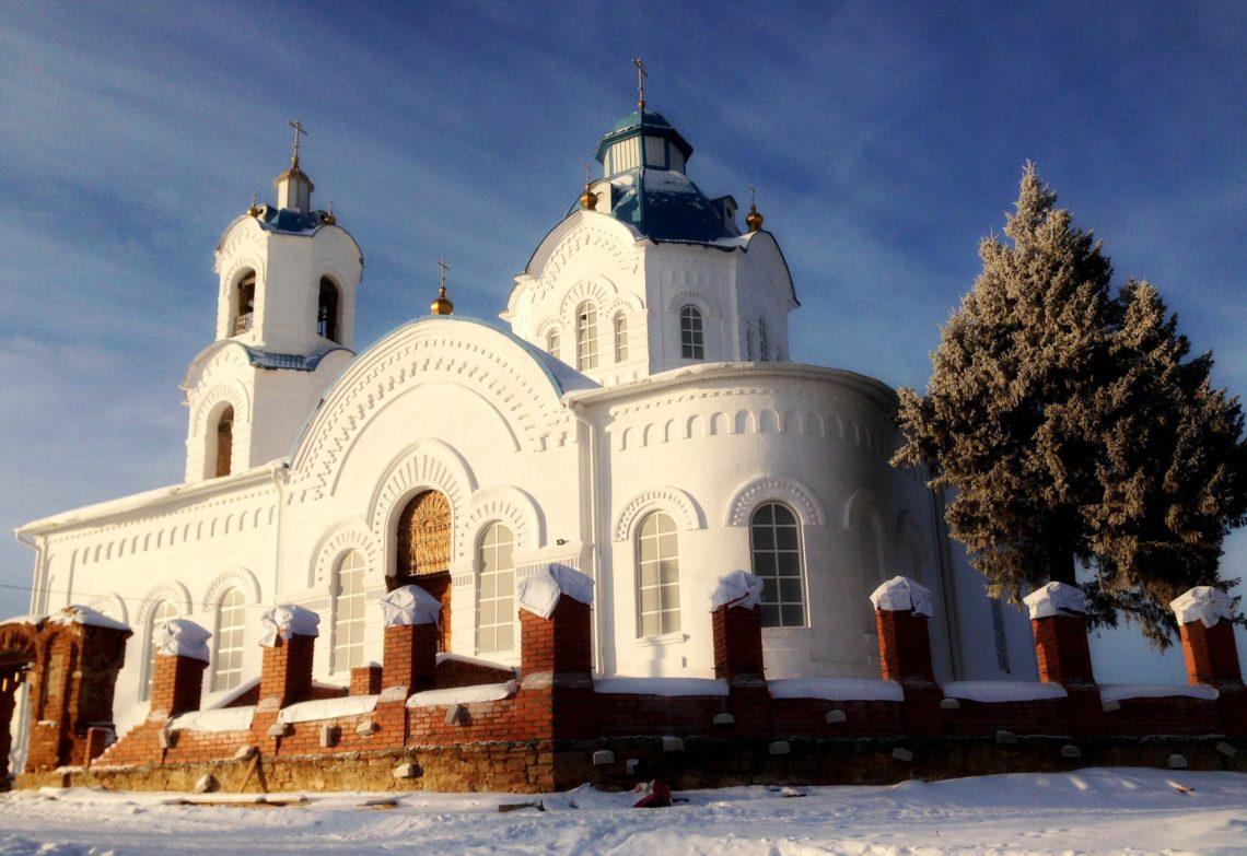 Отреставрированный храм Покрова Божьей матери в селе Булзи